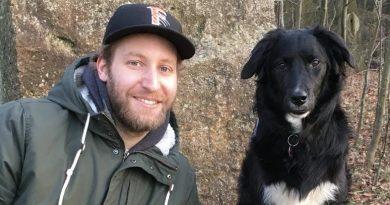 Felix Brückmann mit seinem Hund