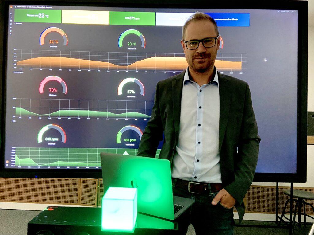 Anatoli Seliwanow, Leiter Betrieb bei der WOBCOM GmbH und Projektverantwortlicher des WOB.smart-Dienstes zur automatisierten Luftmessung.